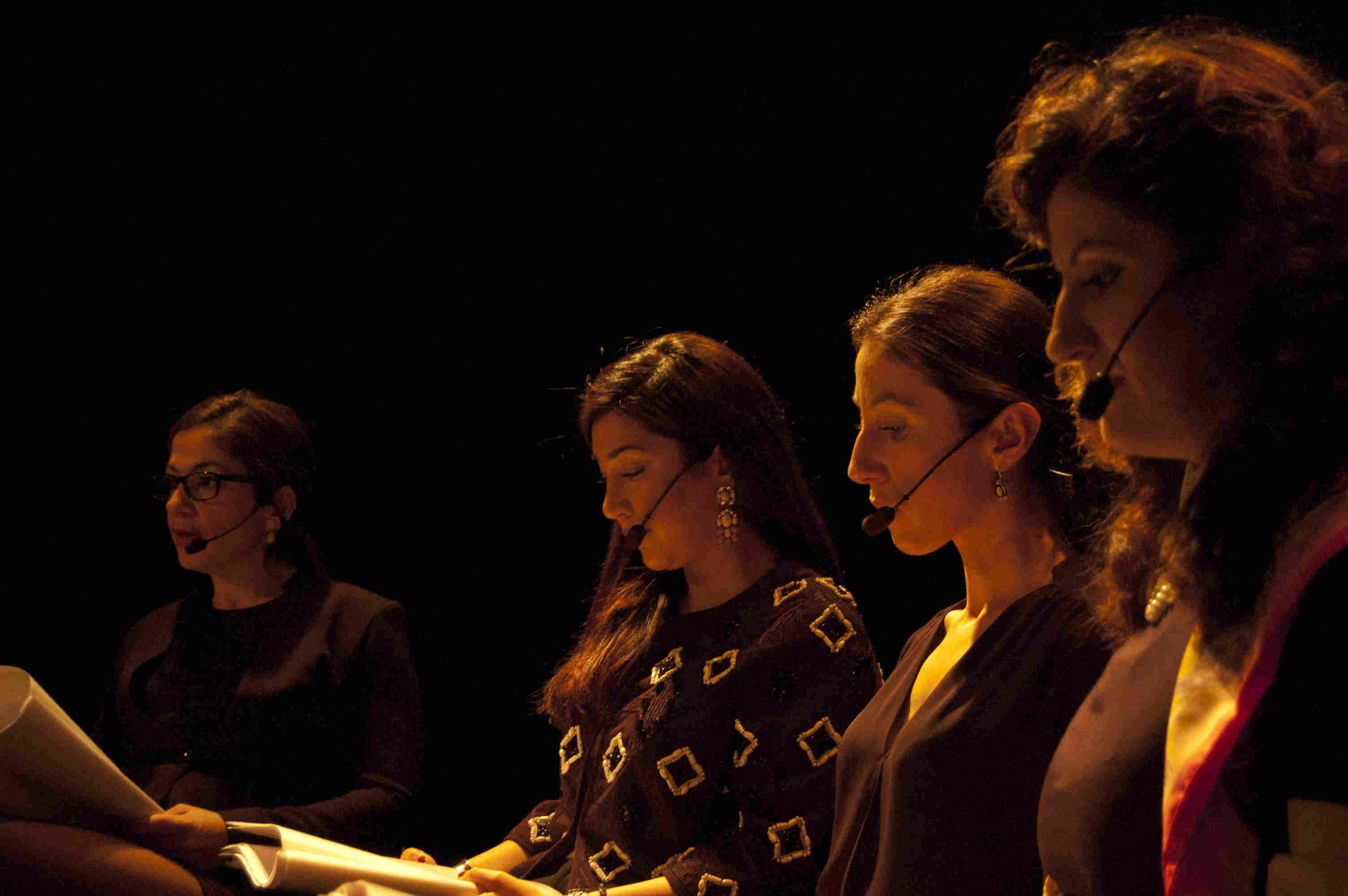 Foto på, från vänster: Gulan Avci, ordförande för liberala kvinnoförbundet, Lawen Redar, riksdagsledamot (S), Sîlan Diljen, journalist och gruppchef på Sveriges Radio, och Nişti Sterk, skådespelerska. Foto: Alex Valencia Rodallec