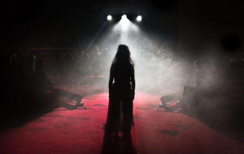 Farnaz Arbabi om pjäsen Vitsvit