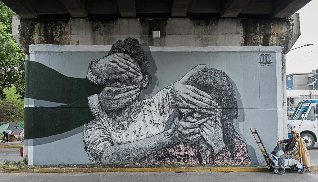 Bild på verket Adoctrinamiento av Himed. I Guadalajara, Mexiko. Foto: Danny Orozco
